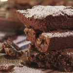 EXTREME BROWNIES WITH CARAMELIZED PECANS