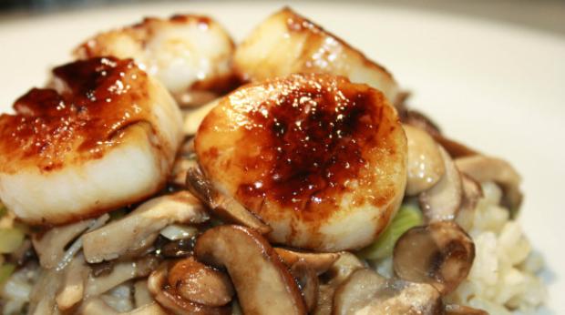 Scallops, Mushrooms, and Scallions