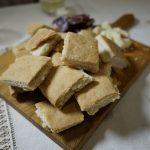 White wine unleavened bread (pizza scima)