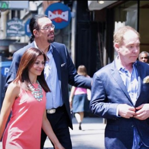 Penn and Teller walk with Lisa Mateo